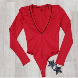 Good American Tops - Good American long sleeve red bodysuit size S